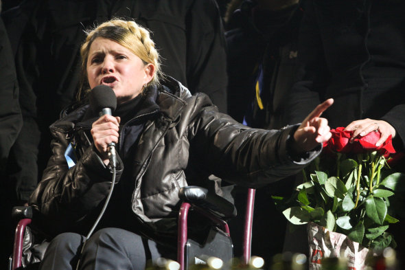 Newly-released Tymoshenko addresses the crowd in Maidan square