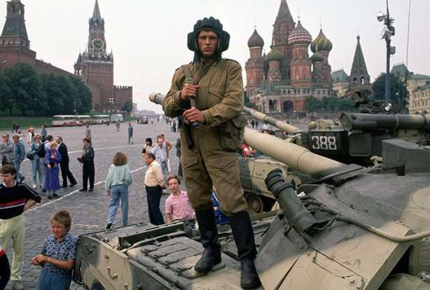 A Soviet soldier loyal to the coup
